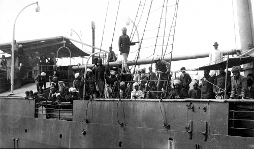 Passengers aboard Komagata Maru in 1914. Vancouver Public Library